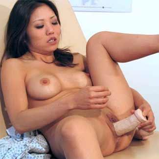 Kaiya is so horny she fucks her dildo