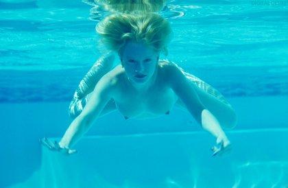 On Digital Desire Chicks Swimming Naked Underwater Is Always Hot