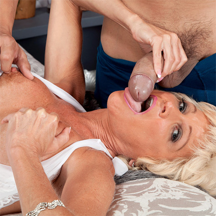 Blowjob For Turned Horny Straighty