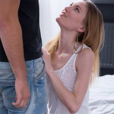 Teen Mia Makes Her Horny Boyfriend Very Happy