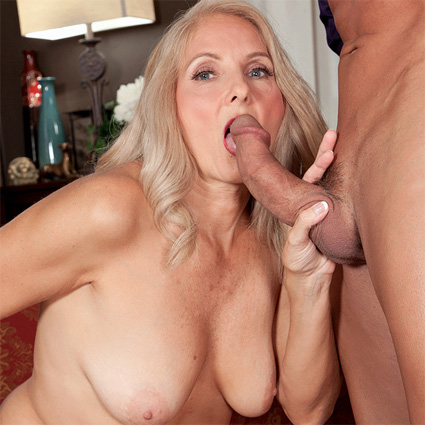 horny cougar blowjob