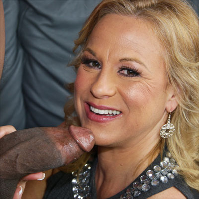 hot mom Summer loves the black cock